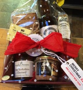 mini gents hamper