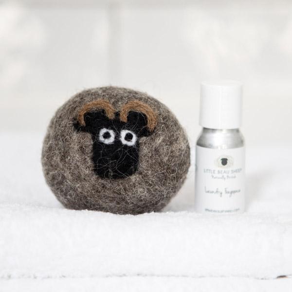 Sheep Laundry Ball & Oil Set